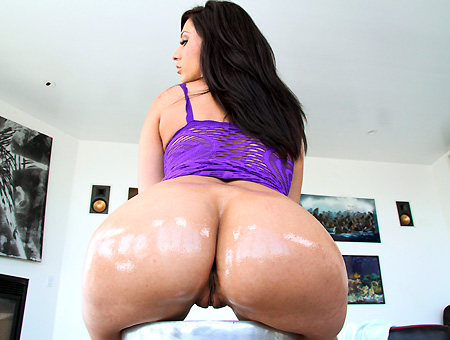 White girl with a big ass